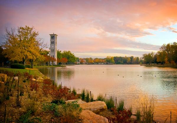 Furman-Lake-autumn600