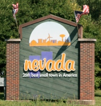 Nevada_Iowa_20090816_Welcome_Sign